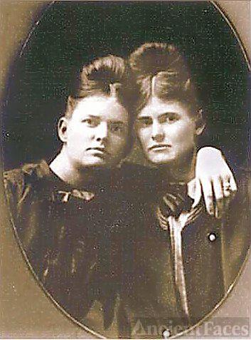 Belle & Berta Arthur, Alabama 1899