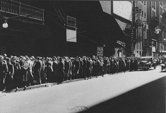 Food Line in the Depression
