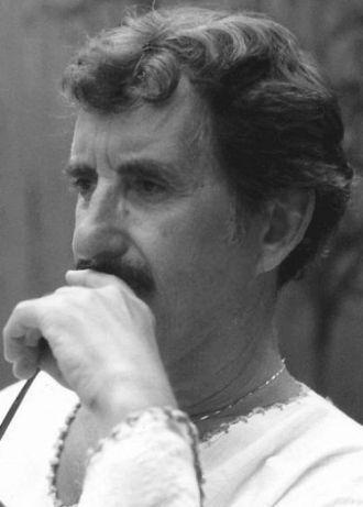 Paul E Mochnick