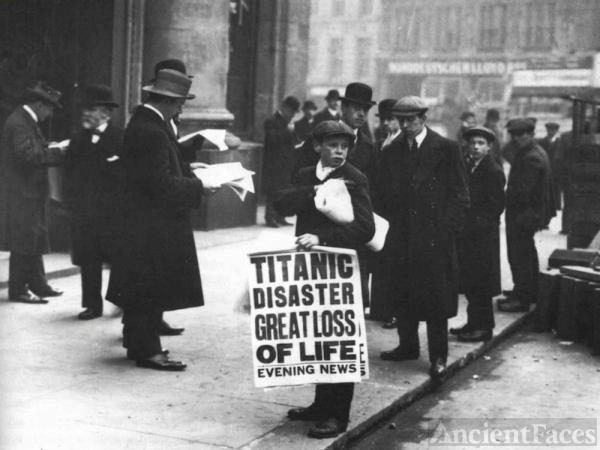 Titanic Disaster - Newsie