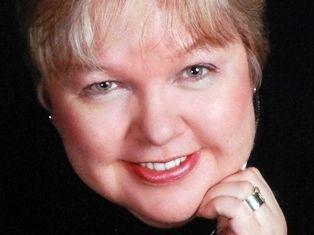 Lori Lee Luther