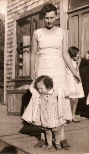 Dorothy (Kilmer) Bell and Blue Bell, 1936 WA
