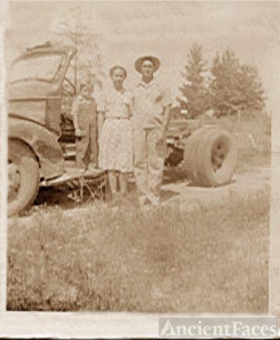 Leonard T. McAdams Family