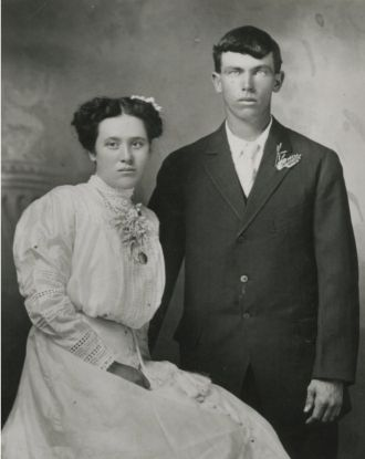 Robert Frederick Gill and Mary Marilla Tracy, Wedding photo 1911