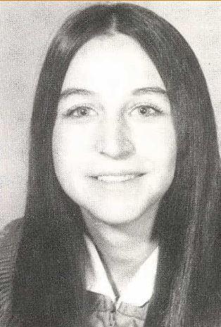 Senior Photo Kelly Abagnale - Waltrip High School 1972