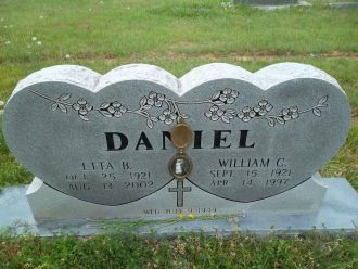 Etta and Clyde Daniel gravesite