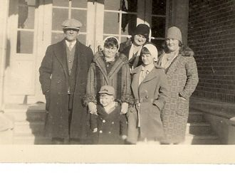Unknown Family - perhaps Bowie
