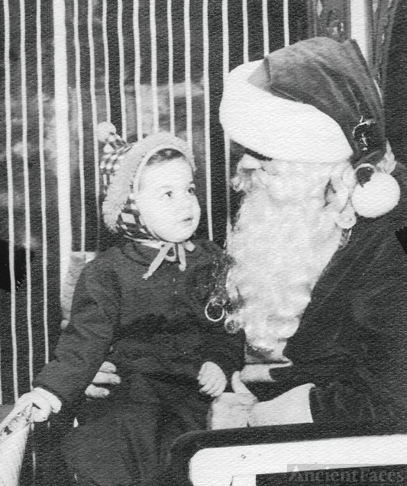 Mary Louise Yarnall & Santa Claus, 1949 Pennsylvania