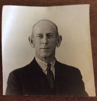 Oscar F Schubert