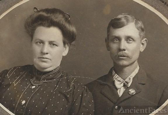 Lorenzo and Rhoda (Kuykendall) Holmes