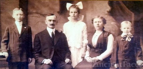 Friedrich and Elisabeth Trump Family, 1915
