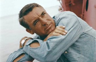 A photo of Cary Grant