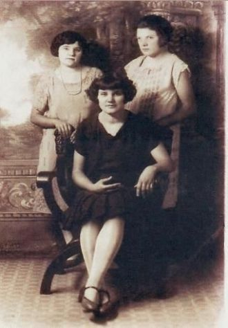 Zelma Cunningham, Nell Boise and May Boise
