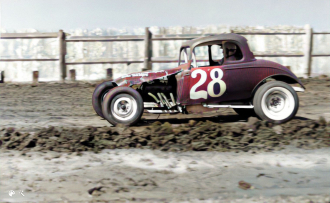 Charlie Pitts in Coupe 28
