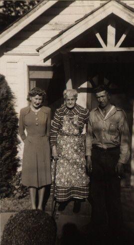 Anna Frohlick & her children