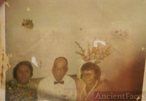 Marjorie Predeoux & Her Parents, The Giles
