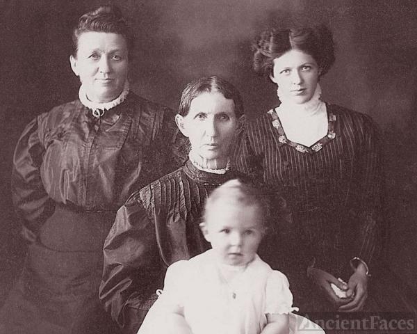 4 Generations of Clarissa Laine Holmes