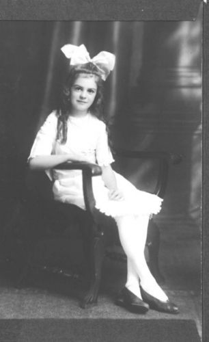 A photo of Edna May Warren
