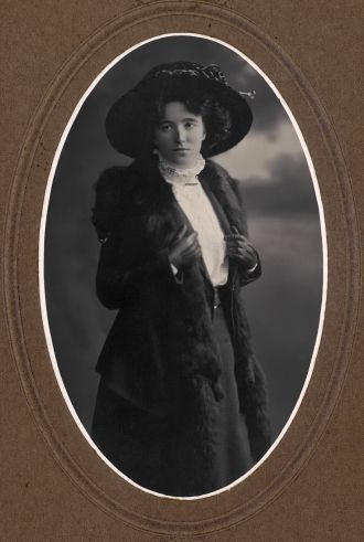 Violet Farmilo Wallace