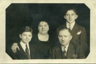 Hirschl Family 1932