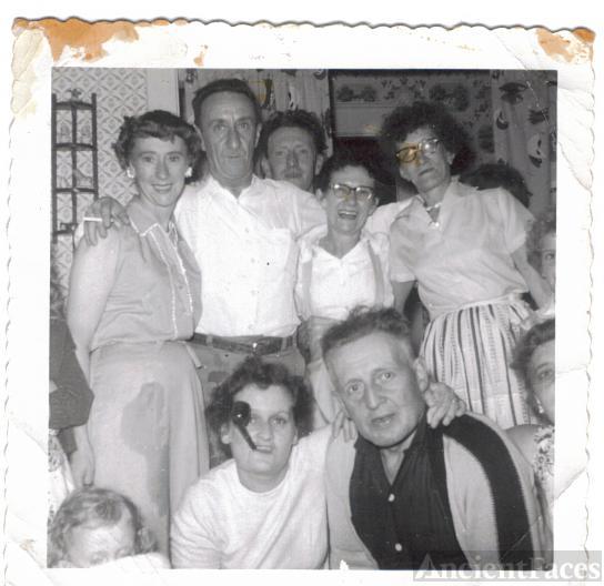 Dora Ford family