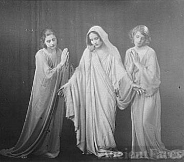 Isadora Duncan dancers