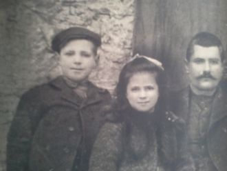 Theodor Vakos Family, Greece 1908