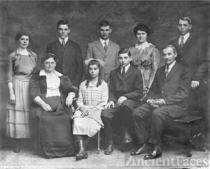 Wisser Family Around 1920