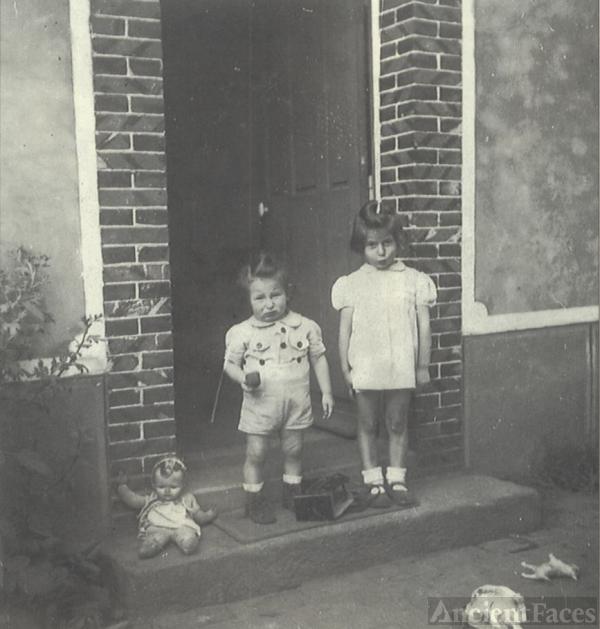 Diane and Alain Bajtel, 1944