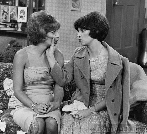 Penny Marshall and Cindy Williams
