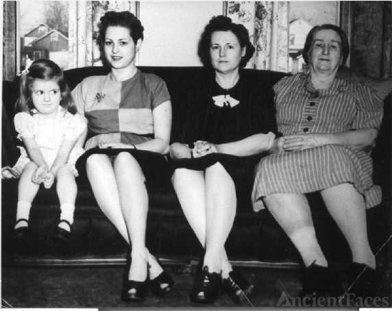 Mary Rose (Wagner) Whittaker descendants, 1947