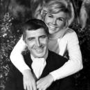 Patrick O'Neal and Doris Day.