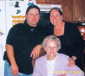 Family picture of Mom n Granny