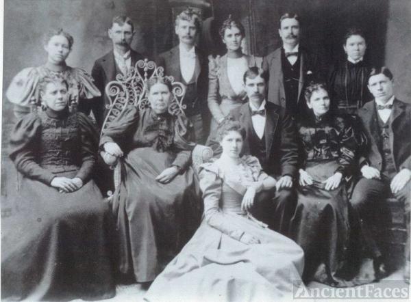 Anna (Annie) Davies & family