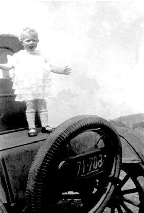 Elaine 'Lainie' (Kroetch) Gillett, Washington 1926