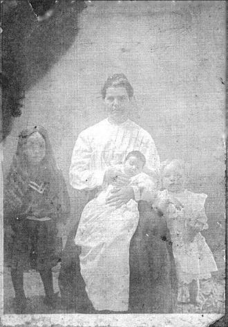 Alice East Jackson, children, Bertie, Joe & Virgie