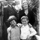 Kathleen (Pilcher) Bullen family