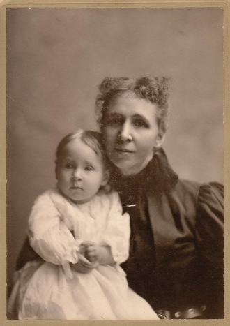 Iva and Anna (Swanson) Matthews