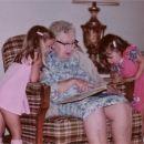 Great Great Grandma Larned w'granddaughters