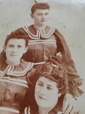 LuLu and sisters