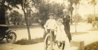 Col. Stafford and grandchildren