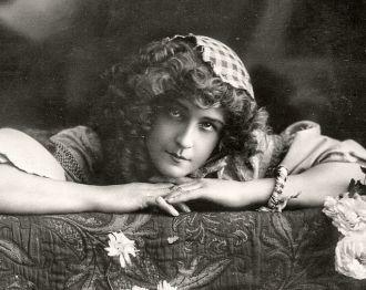 Nellie Stewart 002