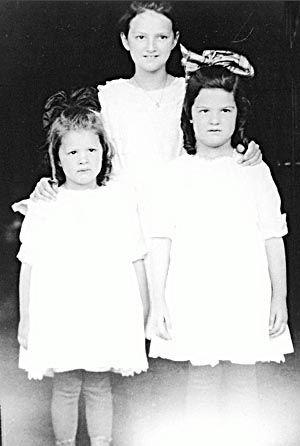 3 Holmes Sisters in 1918