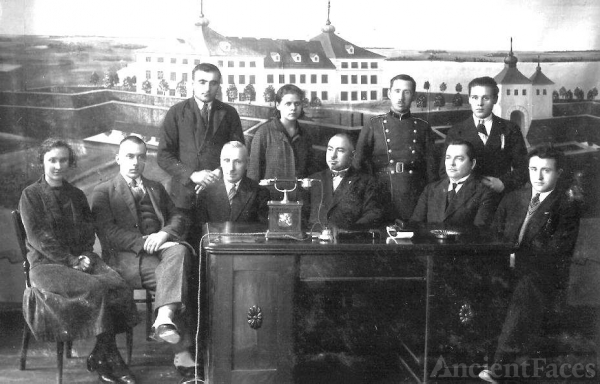 Mayor Krisius Wagner and staff