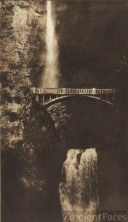 Multuomah Falls, Oregon