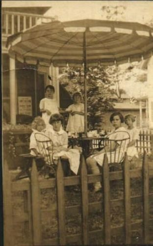 Elizabeth 'Betty' Mackie, 1927 MA