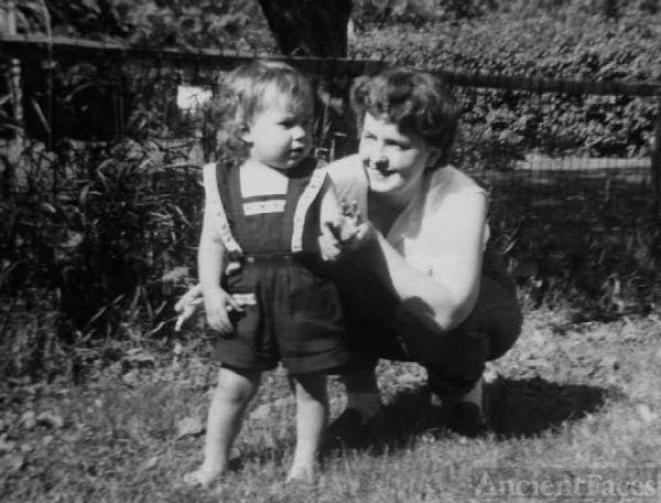 Suzanne & Barbara Koll Heaton