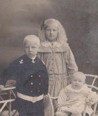 Rolf, Elsa and Signe Udén