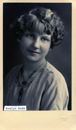 Evelyn Rude