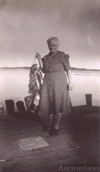 Mary Goldschnikl Toth